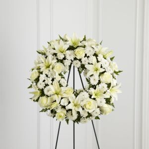 The FTD Treasured Tribute Wreath