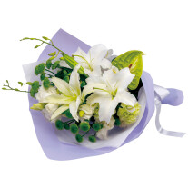 Funeral bouquet in white and green